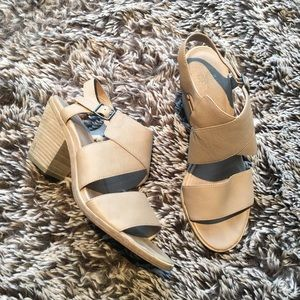 Eileen Fisher sandals shoes beige leather sz 9.5